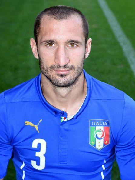Giorgio chiellini maglia numero 3 dell 39 italia ai mondiali for Numero senatori e deputati in italia