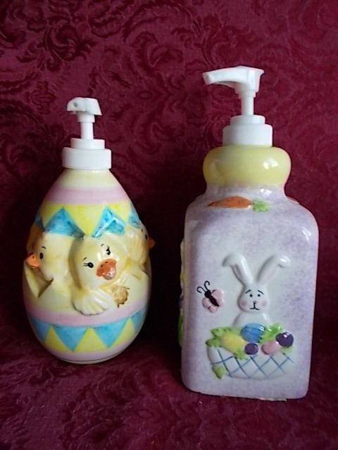 Easter Bath Soap Lotion Dispenser Ceramic Set Of 2 Egg W/Chicks And Bunny #