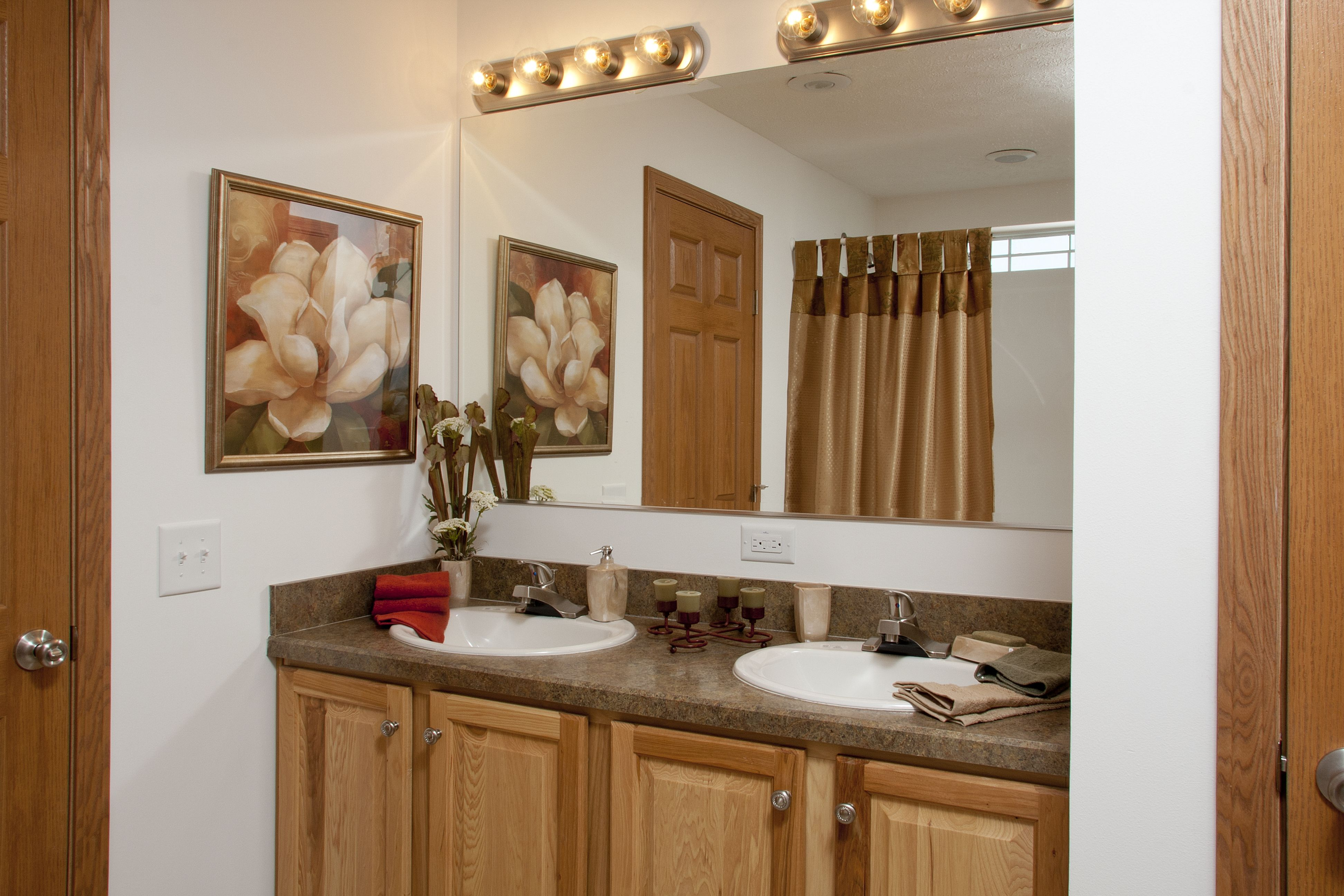 Mulberry Ii Rx838a Grandville Le Modular Ranch Master Bathroom With Double Sinks And Raised