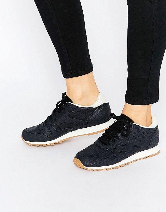 REEBOK blackwhite classic leather sneaker wth snake texture