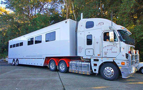48ft Semi Trailer 8 Horse Luxury Living Semi Trailer Semi Trucks Best Small Rv
