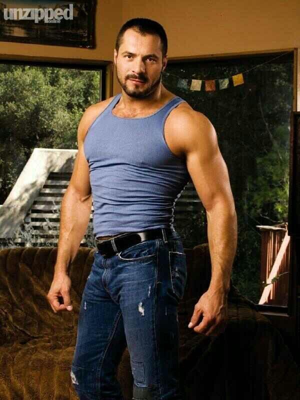 ryan seacrest is he gay