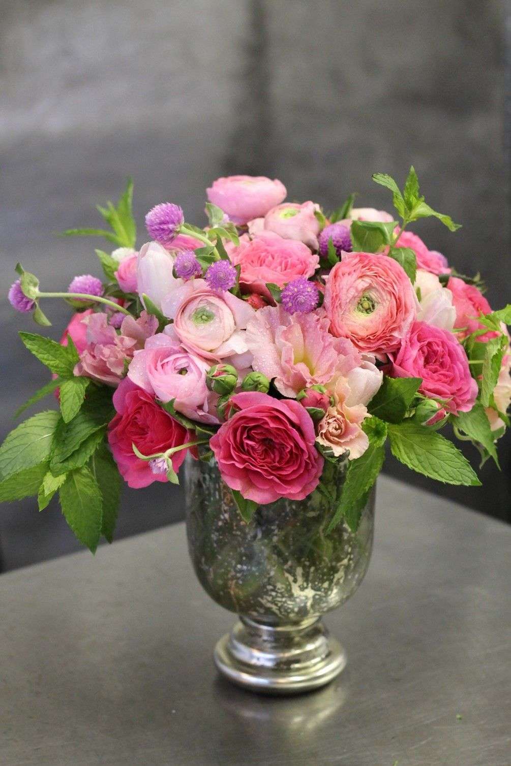 Send Love Actually Flowers In New York Ny Flower Arrangements Beautiful Flowers Flower Delivery
