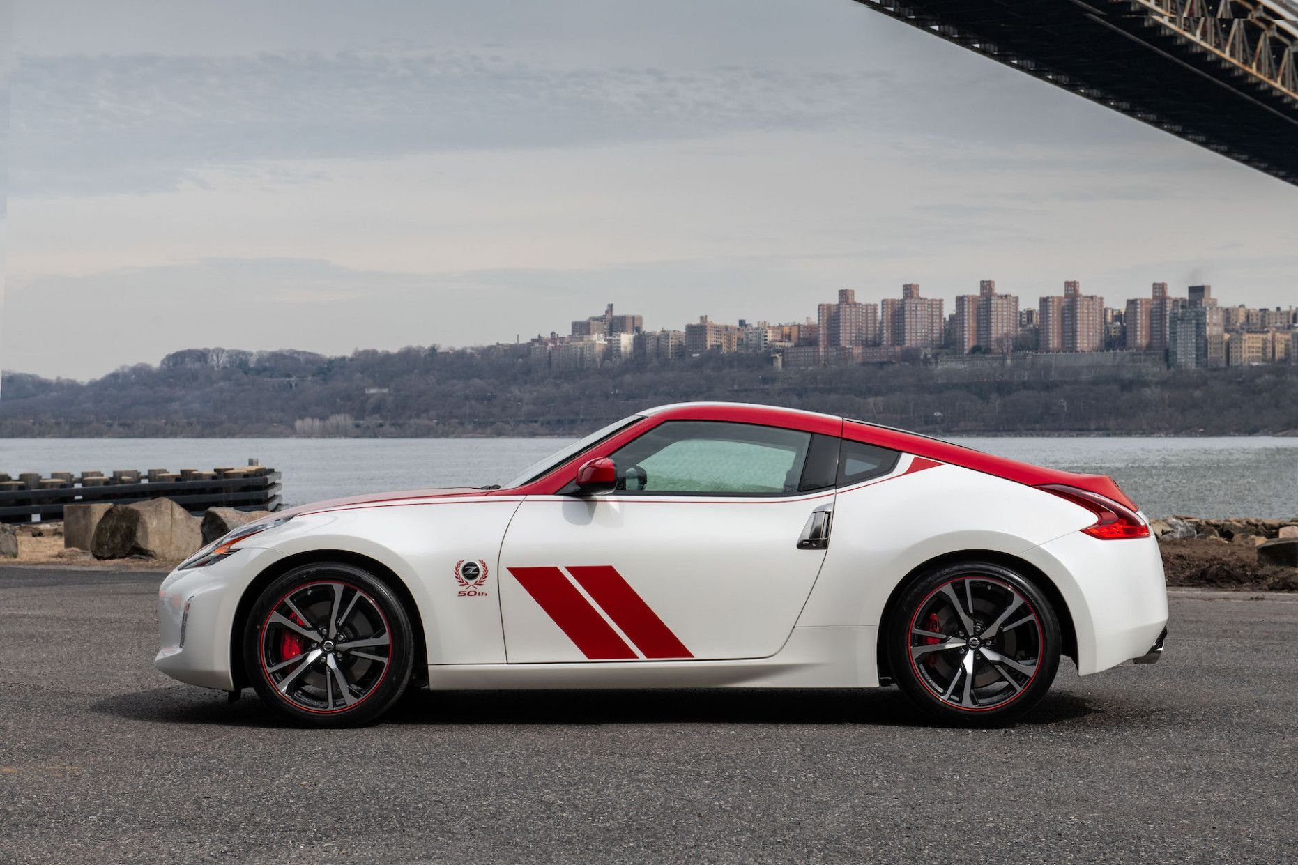 Nissan Z 2020 Price Review And Release Date In 2020 Nissan Z Nissan 370z Nissan