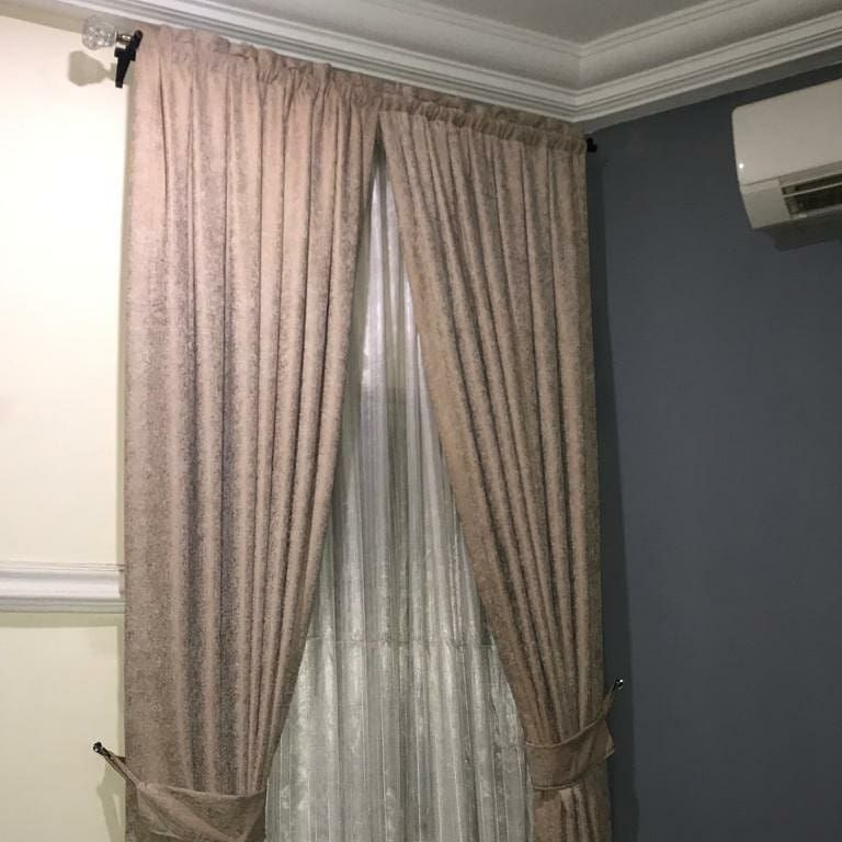 New The 10 Best Home Decor With Pictures The Same Curtain In Two Different Sitting Roomshaving Differen Home Decor Decor Interior Design Interior Design