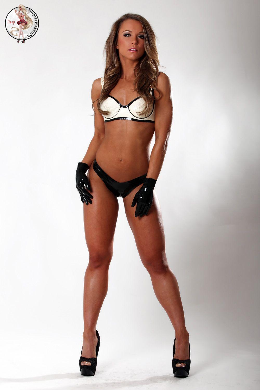 fetish latex sexiga tjejer i bikini