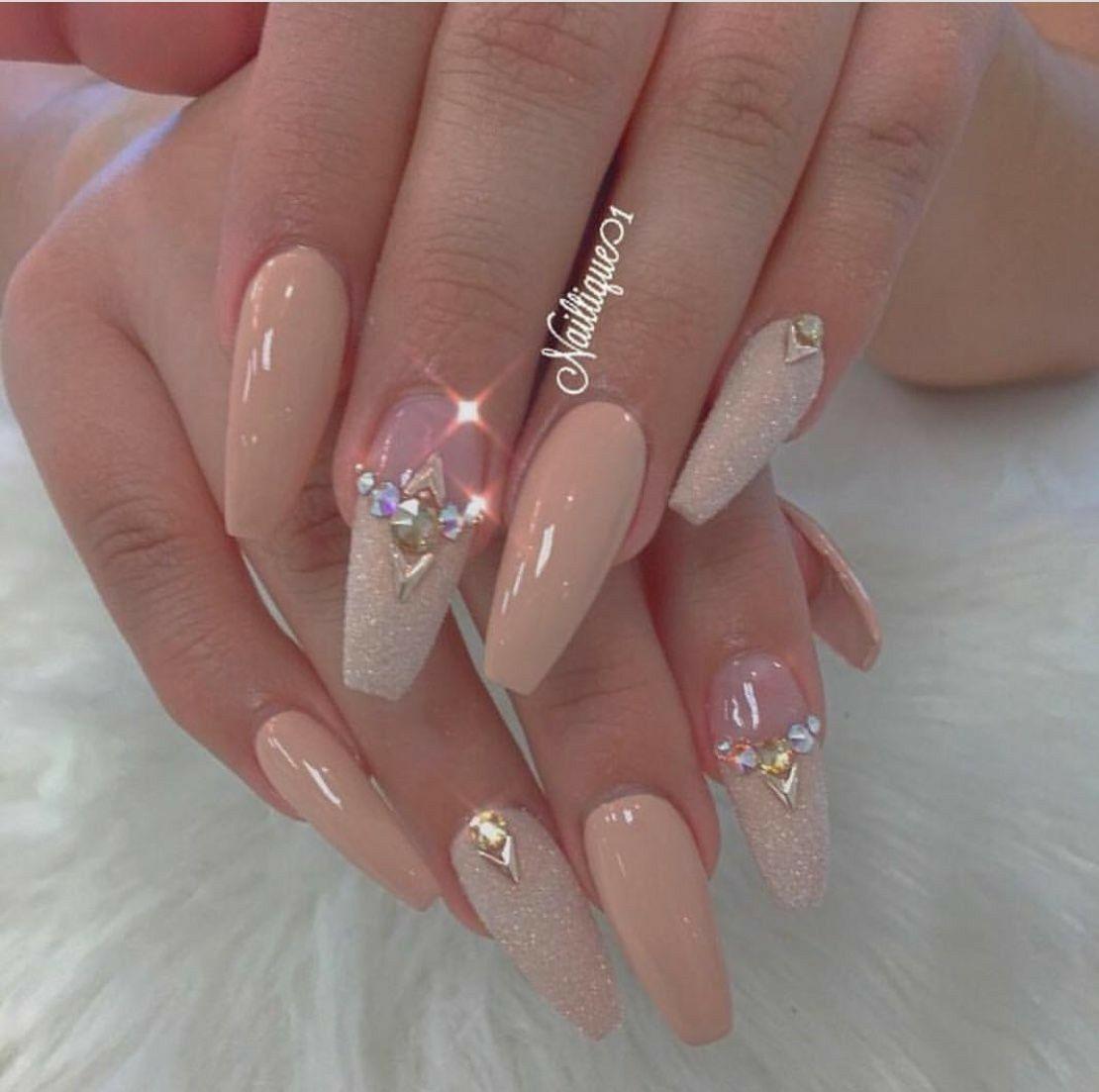 Pin By Estefany Rm On Unas Bridal Nail Art Nail Designs Fabulous Nails