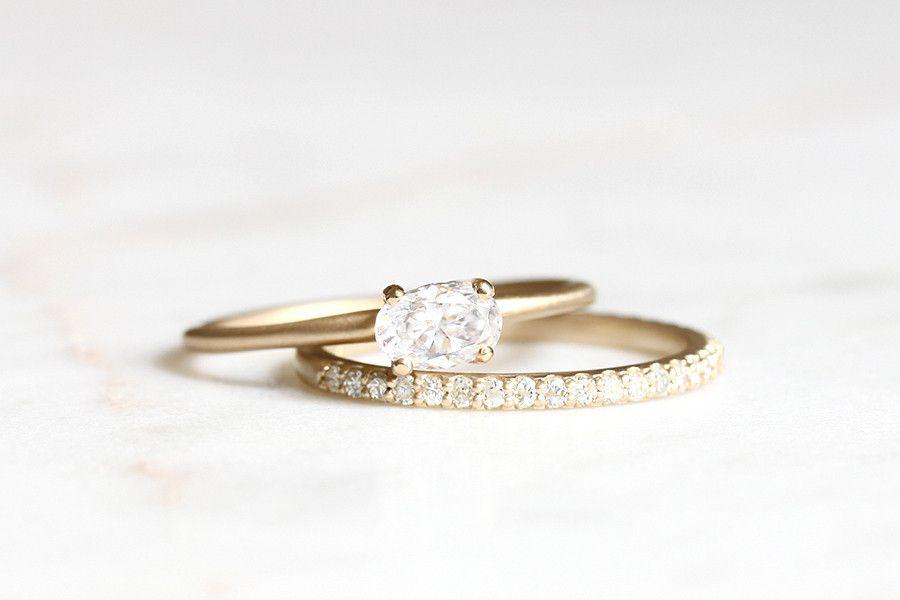 14k oval moissanite ring