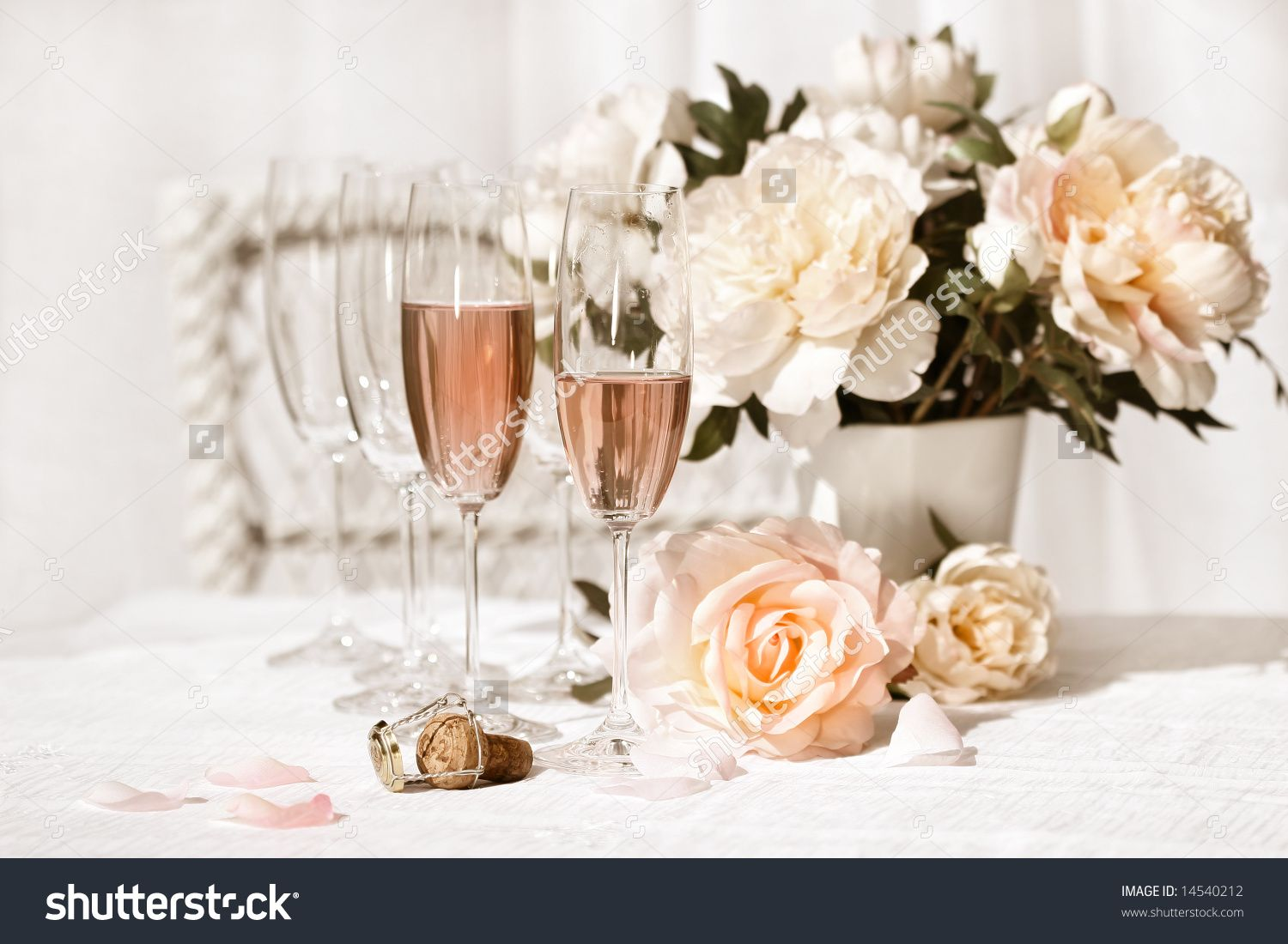 pink flowers and pink champagne   Champagne With Flowers /Vintage Style ...
