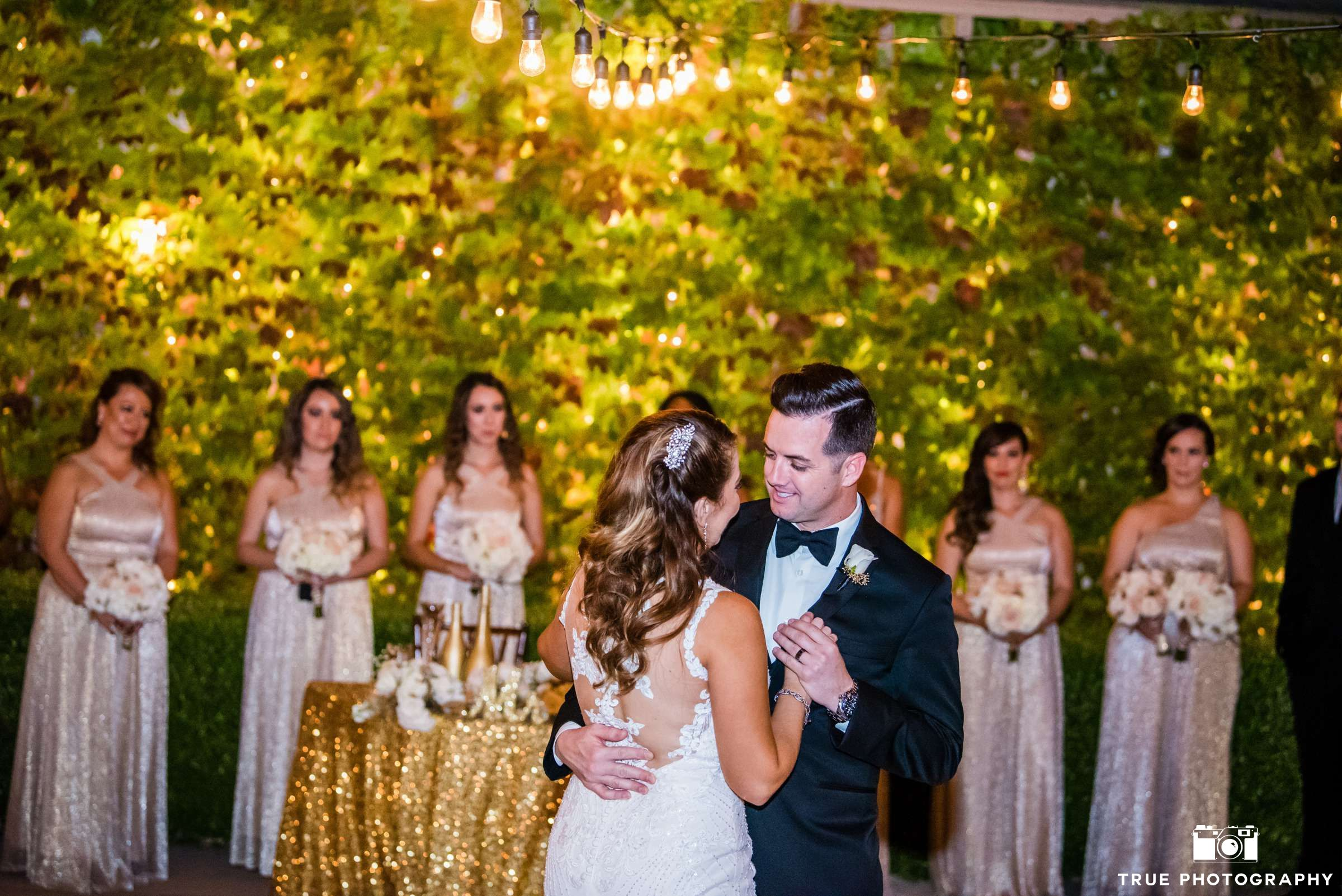 A Little Extra Sparkle For The First Dance 3 San Diego Wedding Venues Outdoor Wedding Venues Wedding Venues