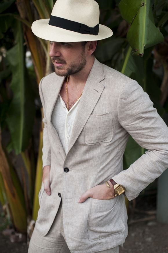Khaki Linen Or Cotton Suit With Patch Pockets For Summer