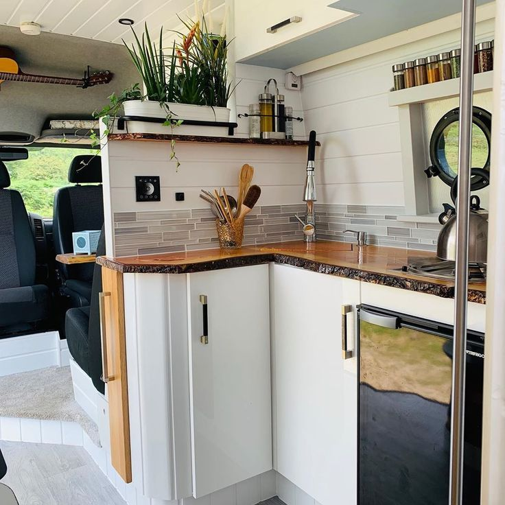 Photo of Van Life Builds on Instagram: A dream doesn't become … Advice for building and…