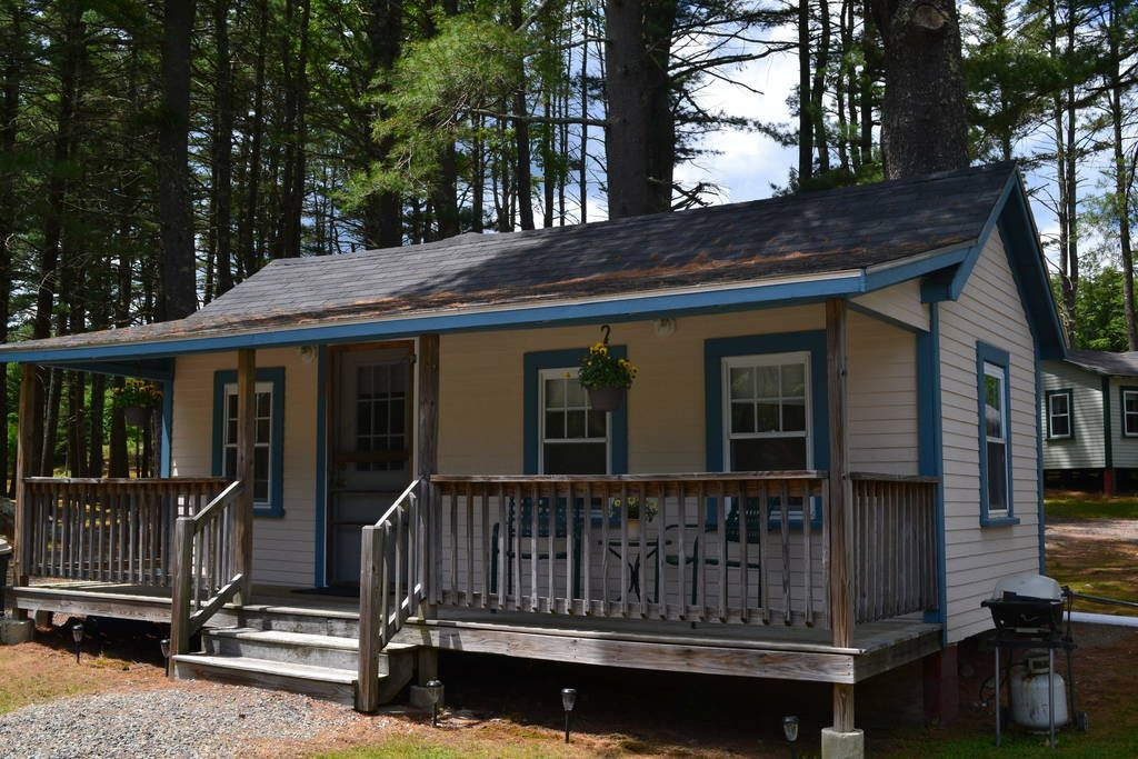 Pet Friendly Cottage Cabins for Rent in York Maine