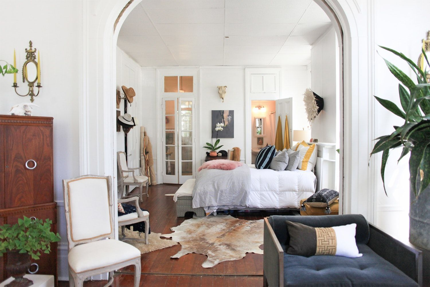 Erica jacobs runs  holistic home design company called between red  violet where she offers services ranging from space planning to landscaping also rh pinterest