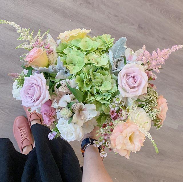 """Fleuriste on Instagram: """"Cabbage fridays! #fleuristesg #sgflorist #hydrangea #astilbes #bouquet #sgbrides #flowerstagram #flowers #slowfloralstyle #tgif"""""""