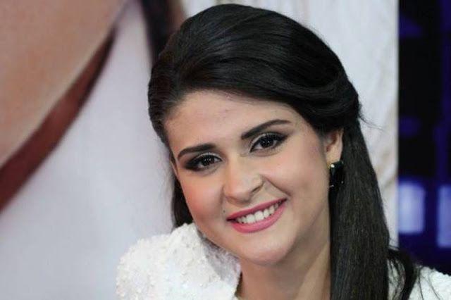 أناقة مغربية بالصور سلمى رشيد بفستان مثير في الزنقة Blog Posts