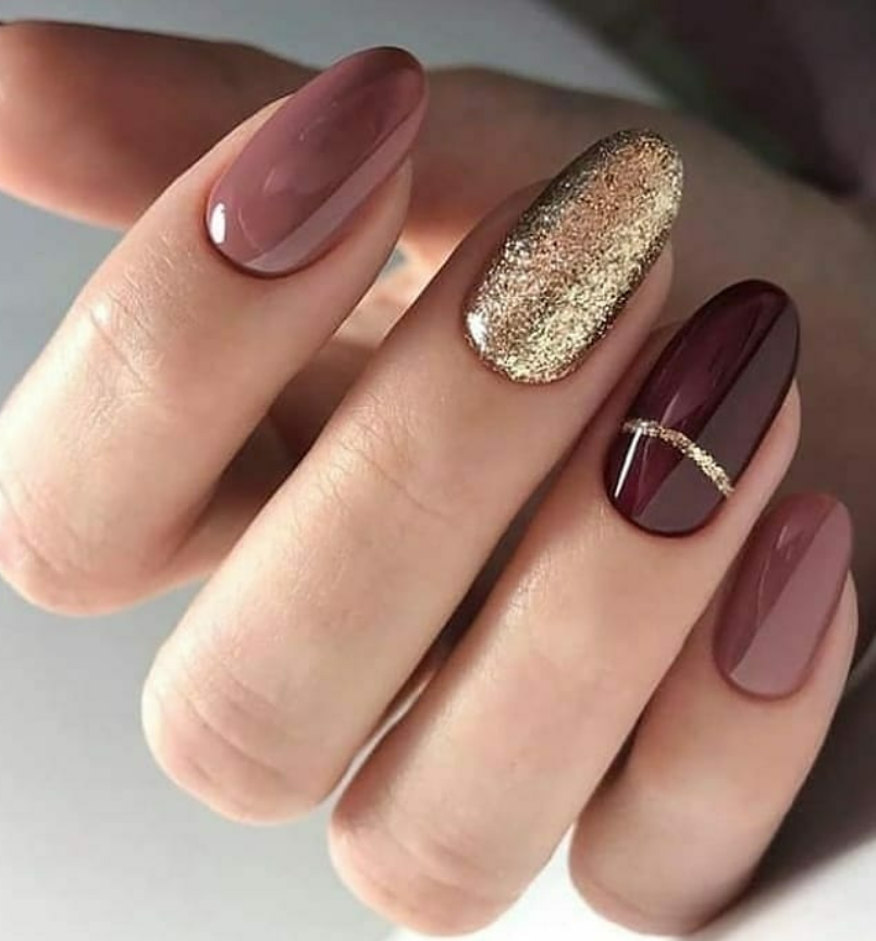 Glitter Nails In 2020 Oval Nails Designs Gorgeous Nails Oval Nails