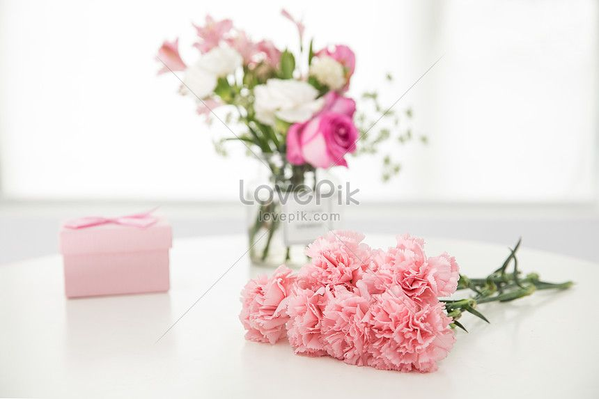 Carnations And Cartons On The Table Carnations Mother S Day Flowers Flowers Gift Boxes Gifts Flowers Vases Wa Carnations Web App Design Template Design
