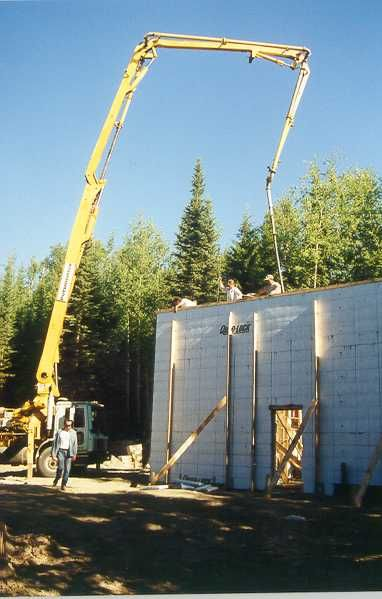 Icf Pour With Boom Pump Insulated Concrete Forms Concrete Forms Concrete House