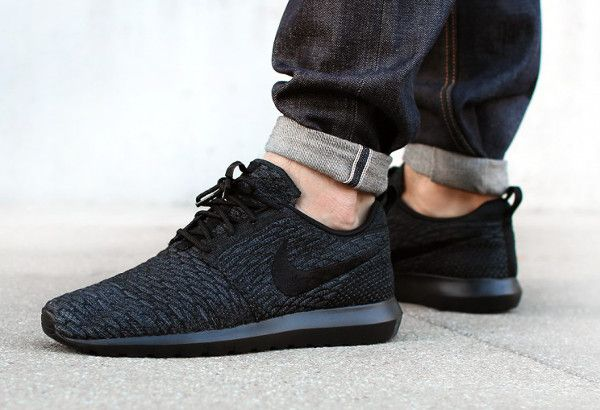 free shipping 243bb e1c94 Nike Roshe Run Flyknit Triple Black (1)   Nike Men   Pinterest