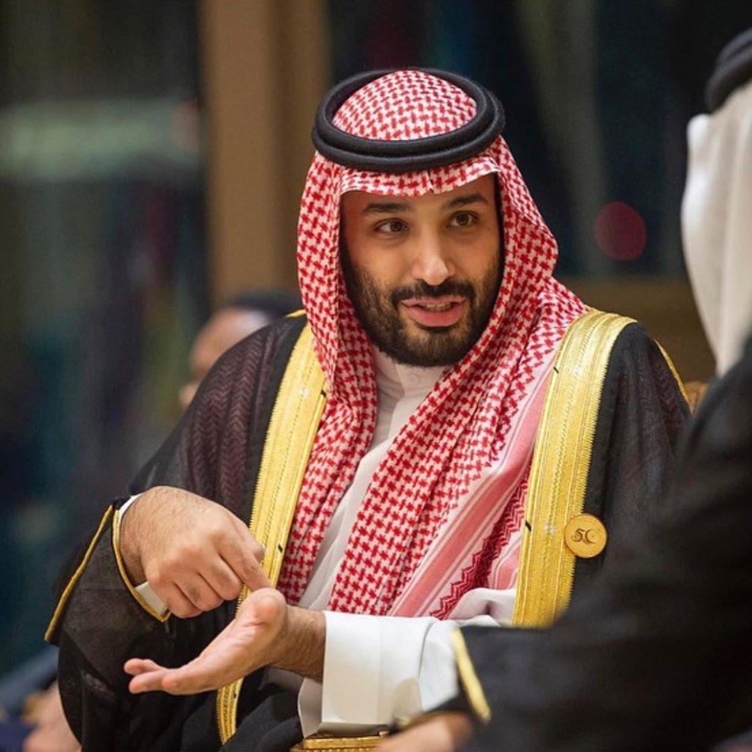 صور ولي العهد خلال انعقاد القمة الاسلامية بمكة القمة الإسلامية بمكة Hair Wrap Scarf Newsboy Islamic Paintings