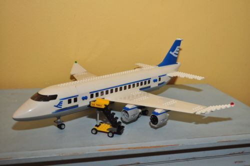 Lego City 7893 Passenger Plane Not Complete Lego Ideas For Boy