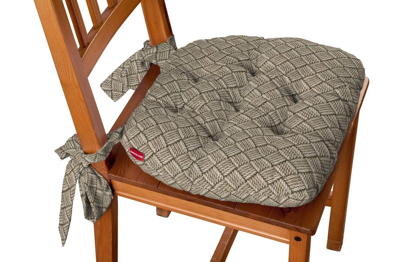 Martin met strikken  Description: Klassiek en comfortabel stoelkussen; dik gevuld met zachte schuimvlokken. Twee decoratieve strikken voor bevestiging aan de stoelleuning.  Price: 27.99  Meer informatie