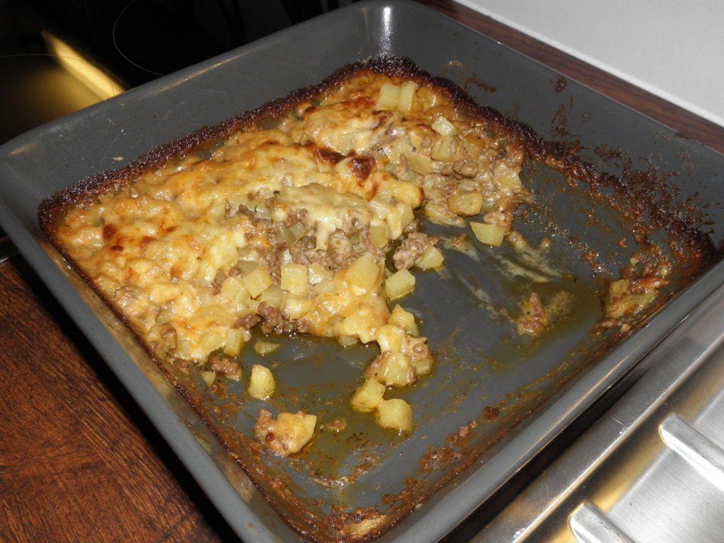 juustoinen perunalihalaatikko