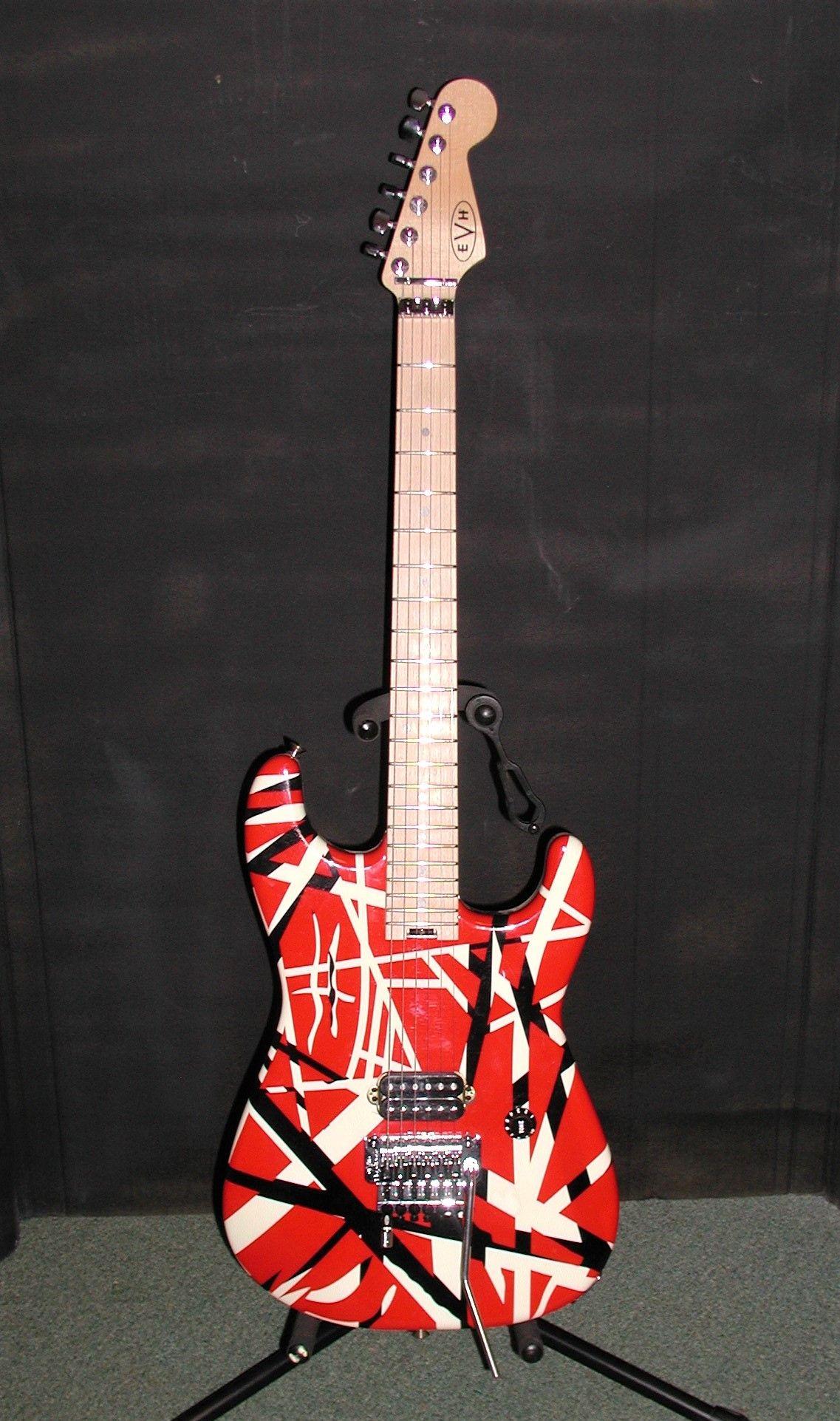 Present Eddie Van Halen Evh Frankenstein Guitar Ja In 2020 Guitar Eddie Van Halen Van Halen