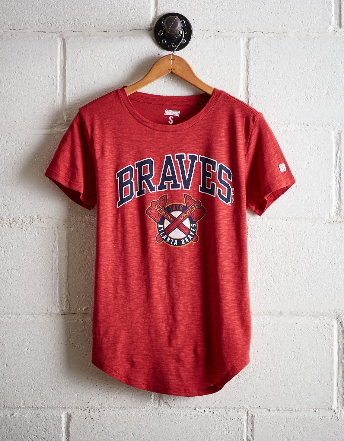 Tailgate Women S Atlanta Braves T Shirt Red American Eagle Outfitters Braves Tshirt Atlanta Braves Outfit Braves Shirts