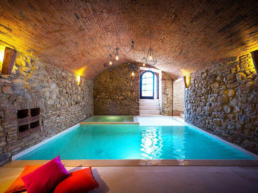 Indoor pool grotte  93 best Piscines originales images on Pinterest | Architecture ...