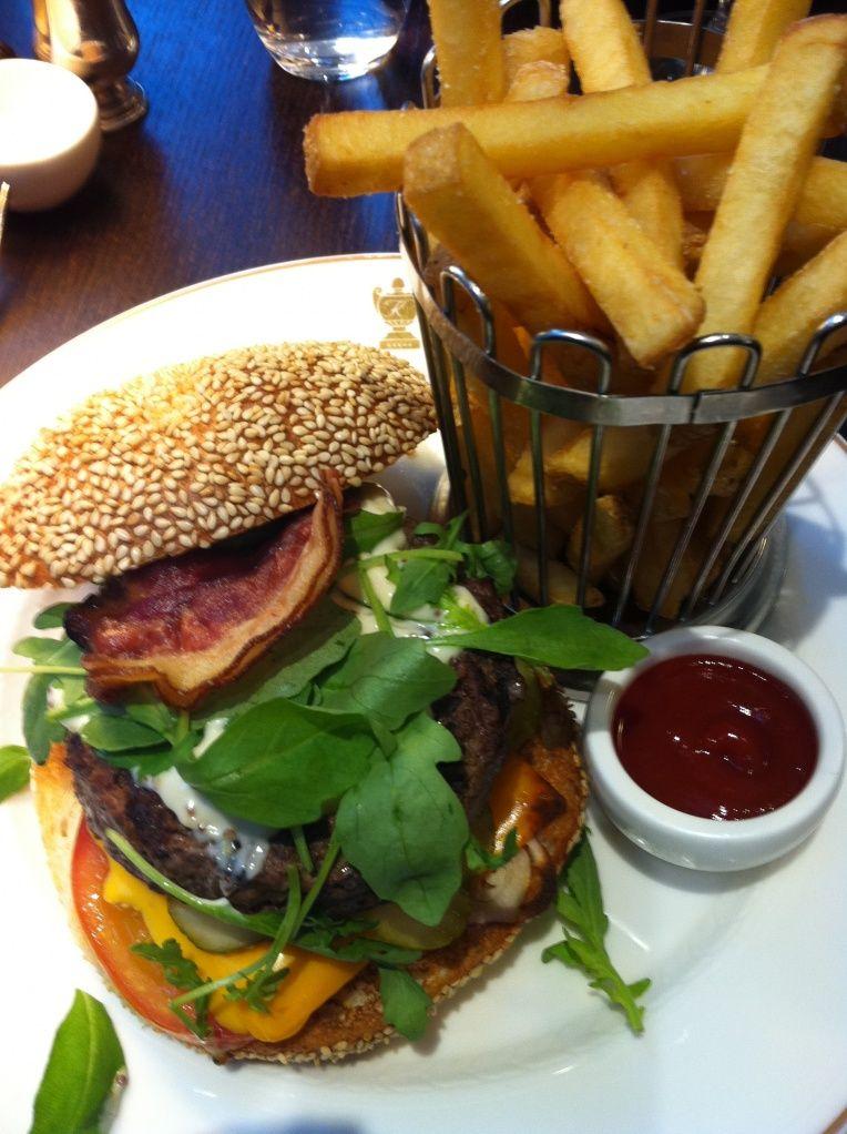 Kämp Cafe, the best hamburgers in Helsinki