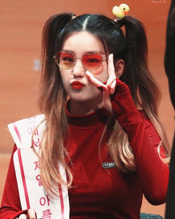 Pin Em Kpop Girls