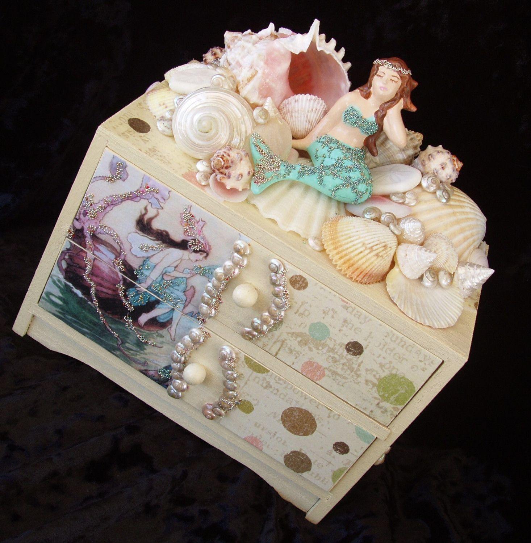Mermaid shell treasure trinket jewelry box with seashells Mermaid