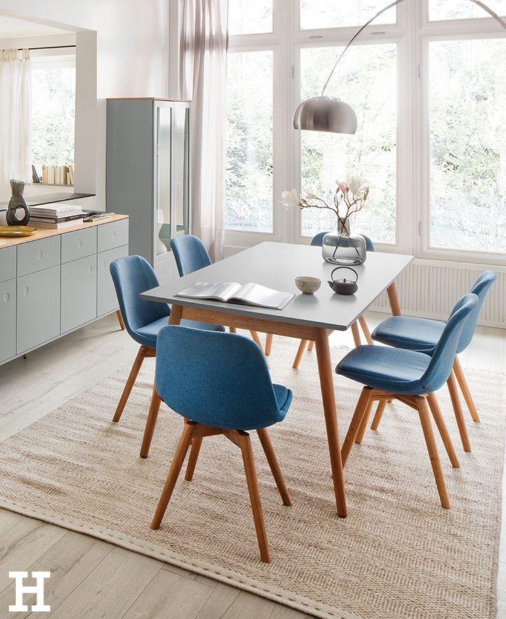Blau in Grau Ein minimalistischer, aufgeräumter Esstisch mit dezent kühlen Farben. meinhöffi ...