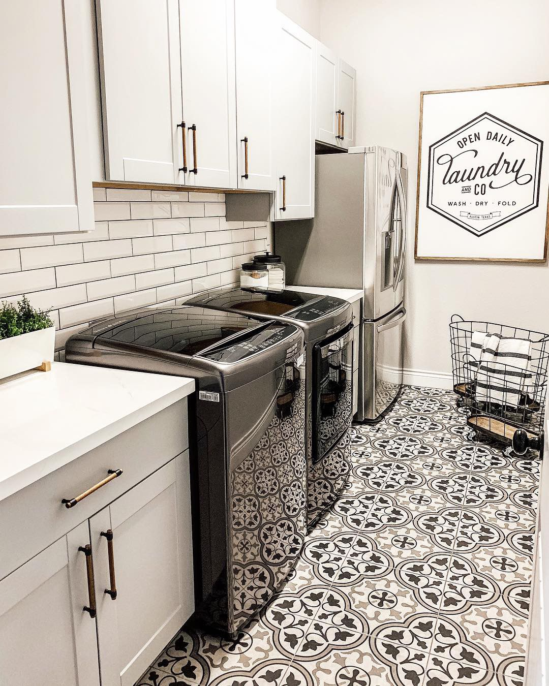 Love The Floor Fabulous Laundry Rooms In 2019