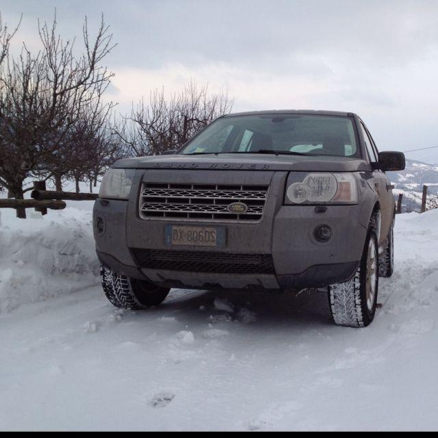 Land Rover Car Wallpaper: Land Rover Freelander 2 & Snow!!
