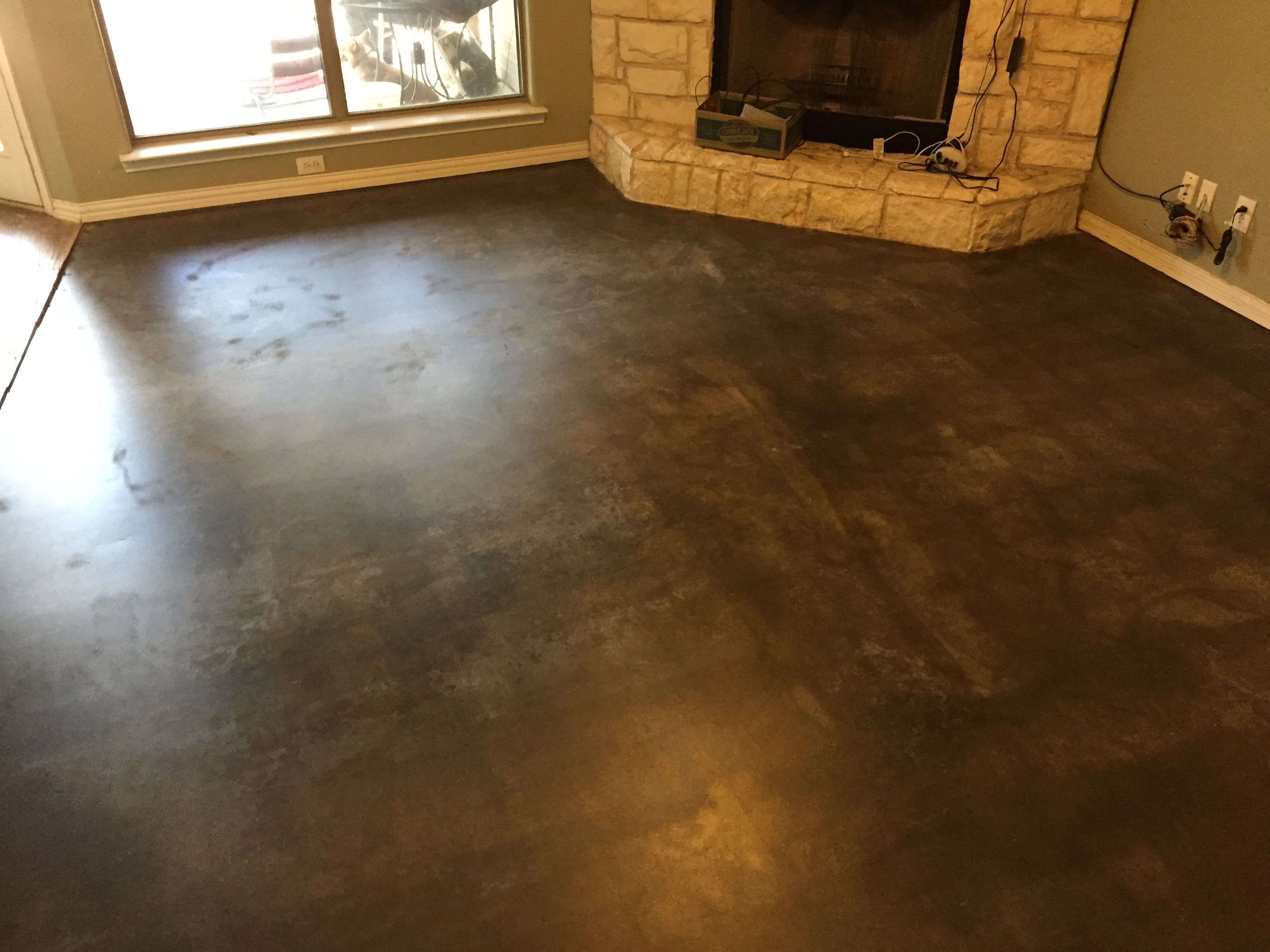 Carpet Removed From Living Room Concrete Ground Stained And Sealed With A Satin Finish Polyurethane Go Stained Concrete Removing Carpet Metallic Epoxy Floor #stained #concrete #living #room