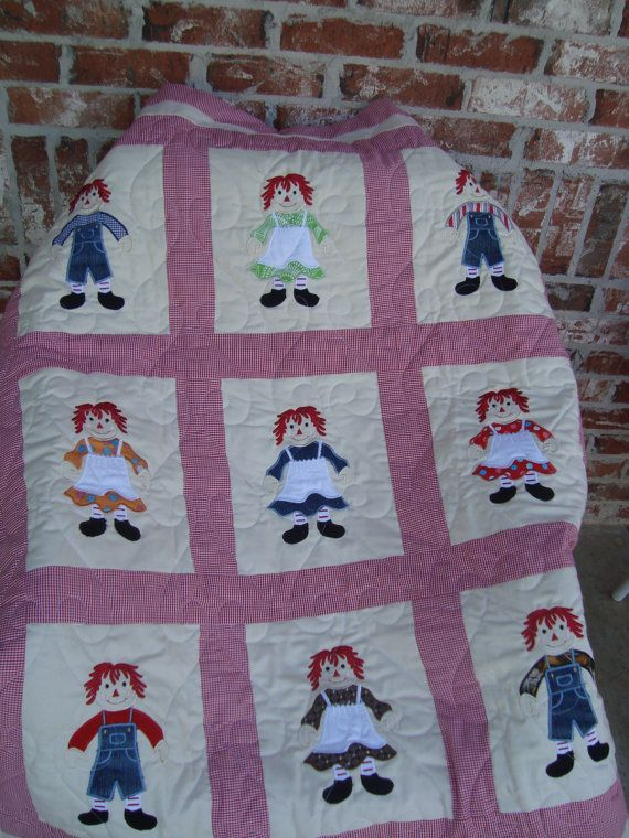 Raggedy Ann and Andy baby quilt