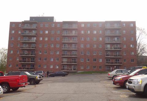 Cedarpoint Apartments 190 Cedar Street Cambridge Ontario Renting A House Apartments For Rent Apartment