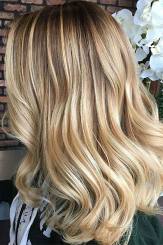 36 Blonde Balayage With Caramel Honey Copper Highlights Balayage Hair Hair Color Balayage Balayage Straight Hair