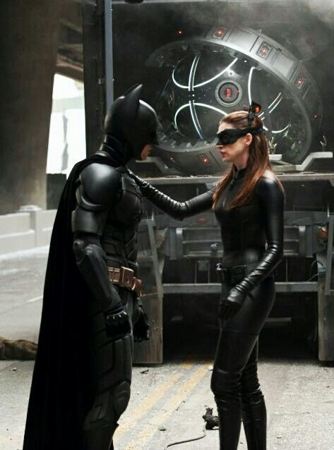 Bts Of Tdkr Christian Bale As Batman And Anne Hathaway As