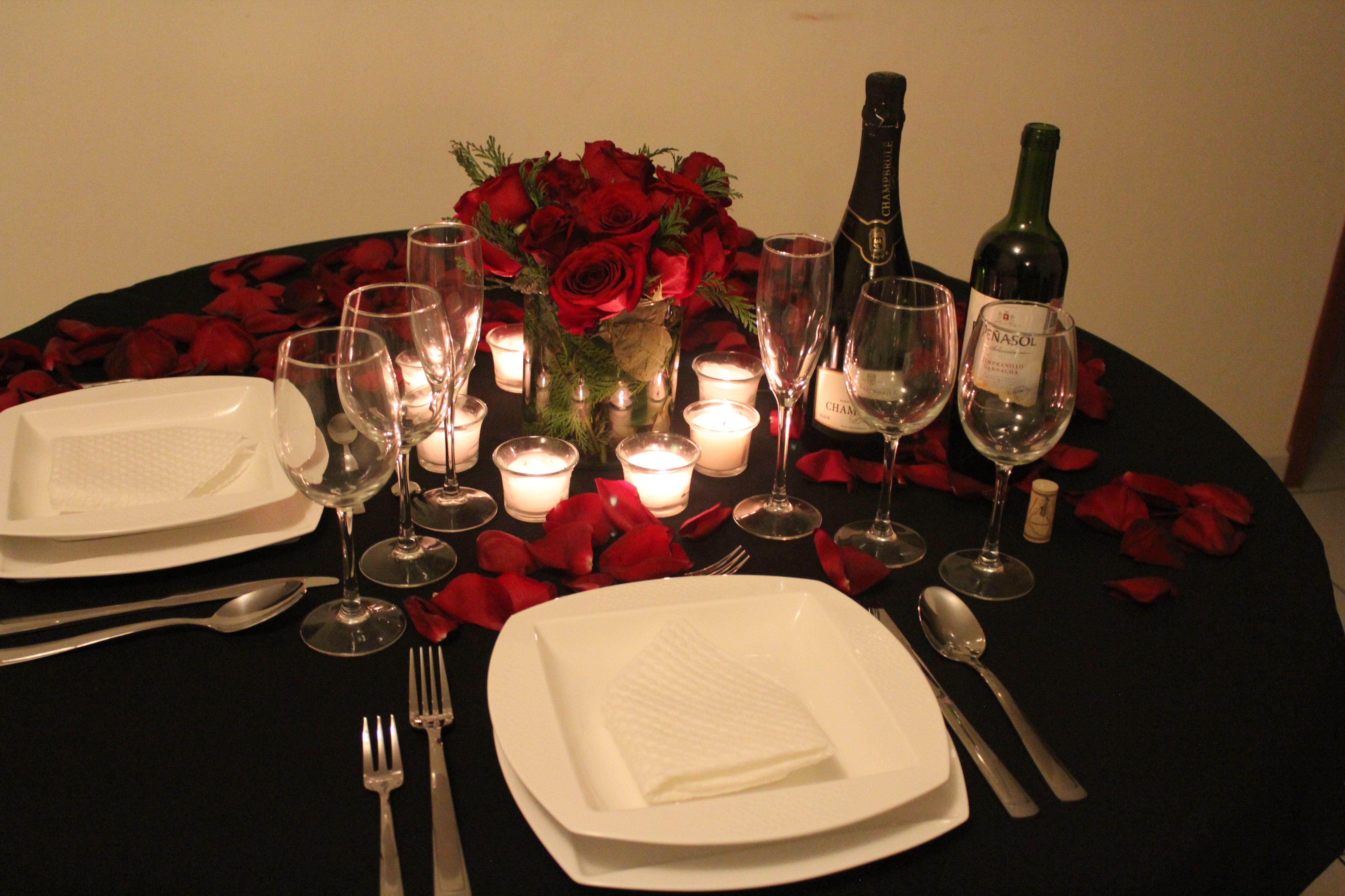 C mo poner la mesa para una cena rom ntica este 14 de for Cena romantica para mi novio