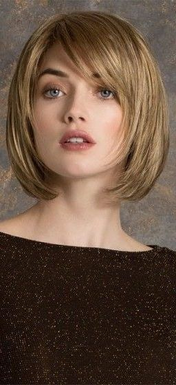 38 Short Layered Bob Haircuts With Side Swept Bangs That Make You Look Younger Short Layered Bob Layered Bob Haircuts Short Layered Bob Haircuts Bobs Haircuts