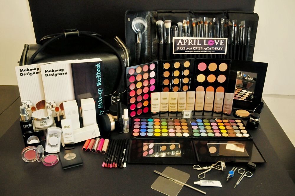 Another Great Benefit Of All In One Makeup Kits Are All The Colors Are Designed Professional Makeup Kit Makeup Kit Mac Makeup Set