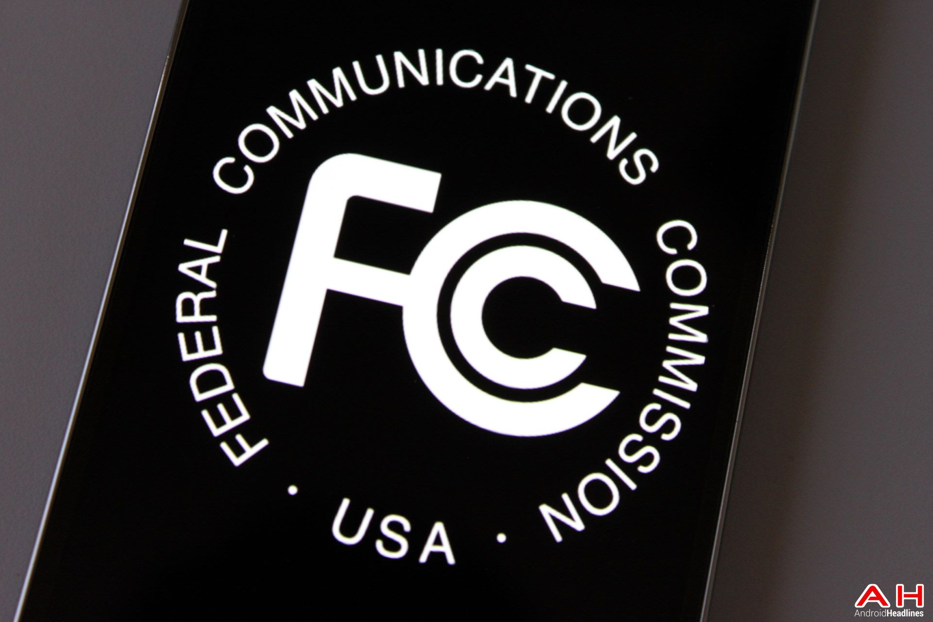 FCC Criticized For Not Collecting Announced Fines Net