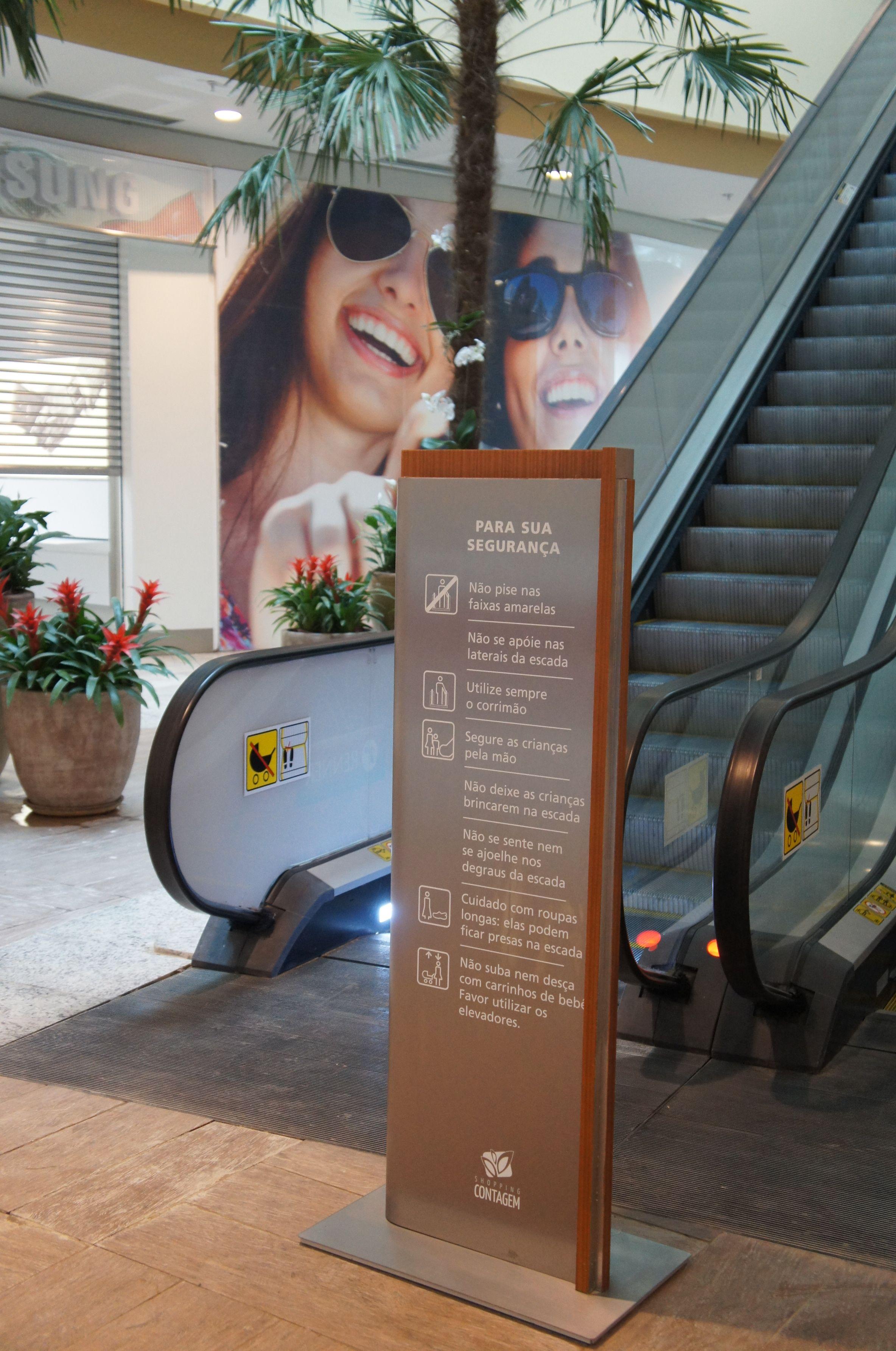 Wayfinding - Totem sign - Shopping Contagem - Contagem (MG) - Brazil # Brazilian design
