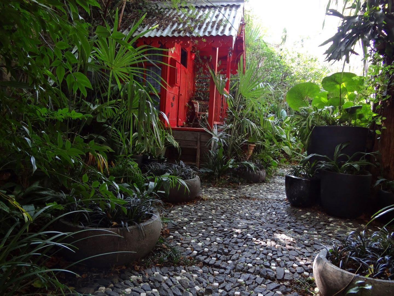 Jardin exotique en ard che jardin exotique tropical for Jardin noir et blanc