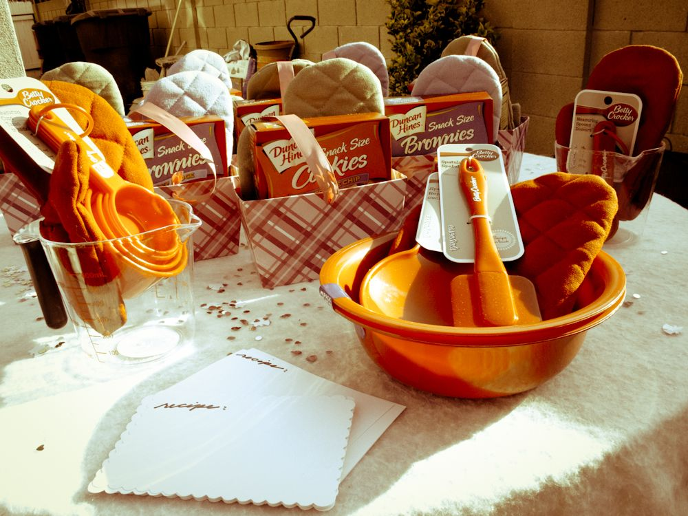 Baking Party Prizes Love This Bridal Idea
