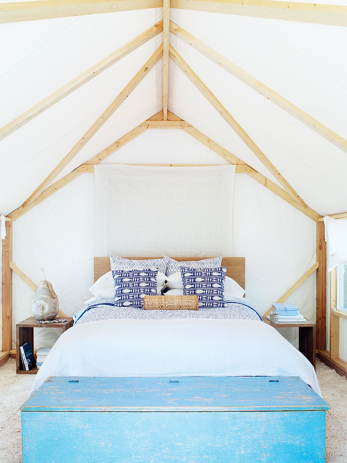 Blue mood | Dream in color with inspiration from our favorite bright bedrooms